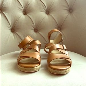 Marc Fisher 7 1/2 sandals